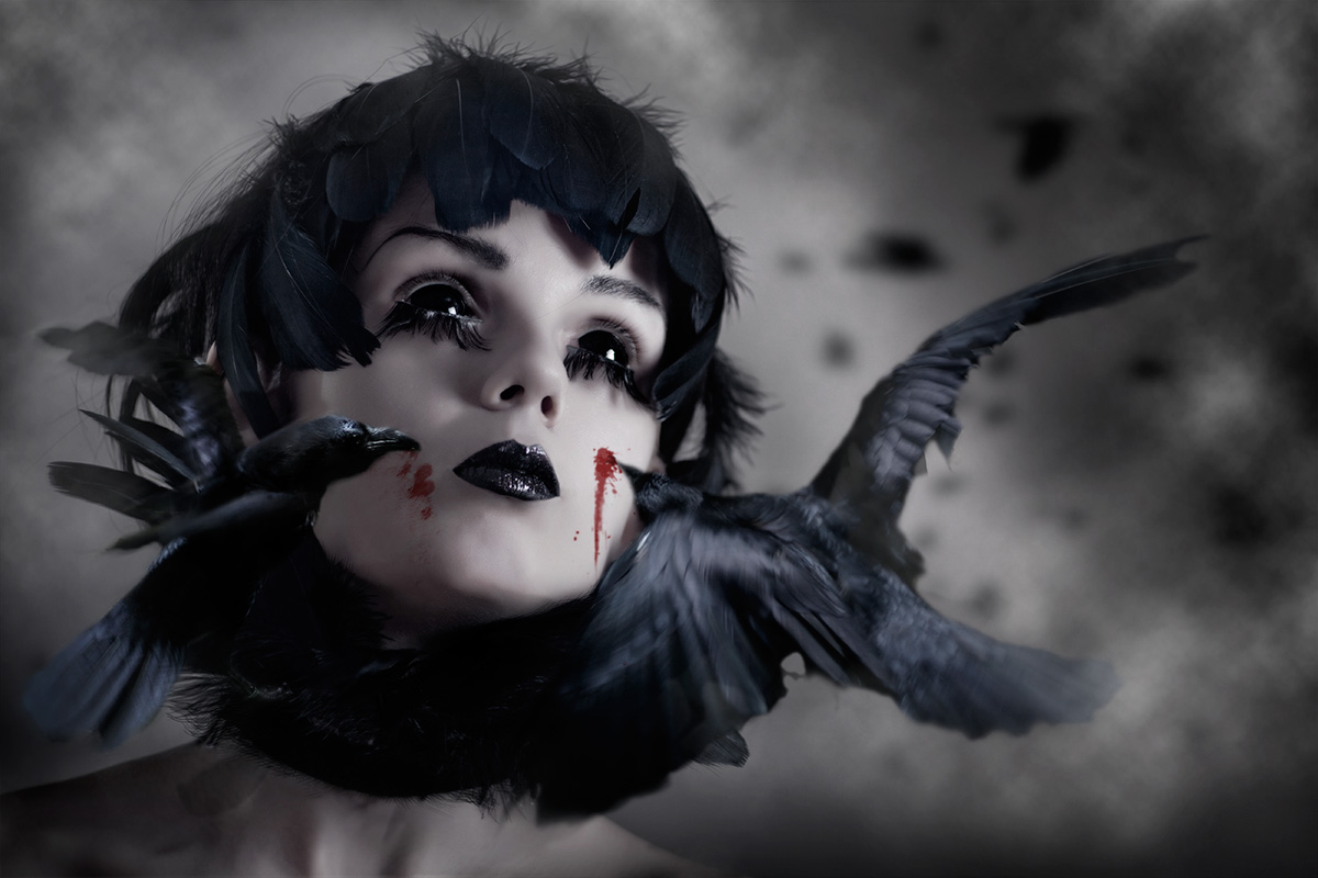 Attack of the ravens (model: Katrine Elisanth)